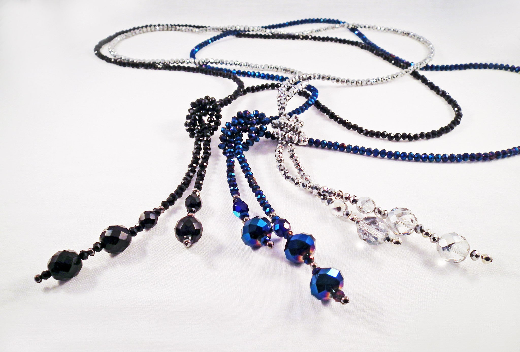 REF95 - Sautoirs à Noeud en Cristal SWAROVSKI Crystal Knot Necklaces - No Mercy Making