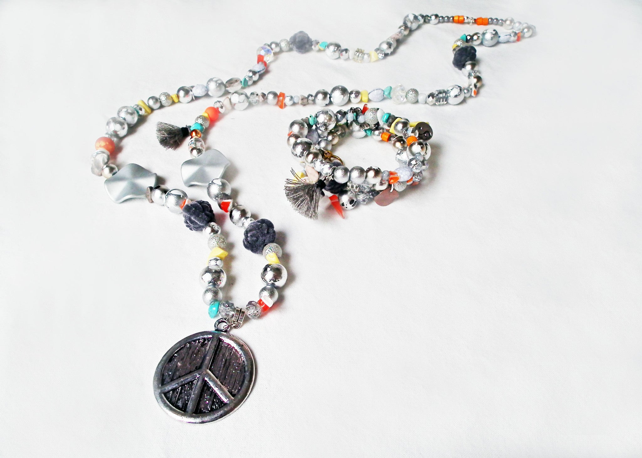 Sautoirs et Bracelets Uniques / Handmade Exclusive Necklaces and Bracelets - No Mercy Making