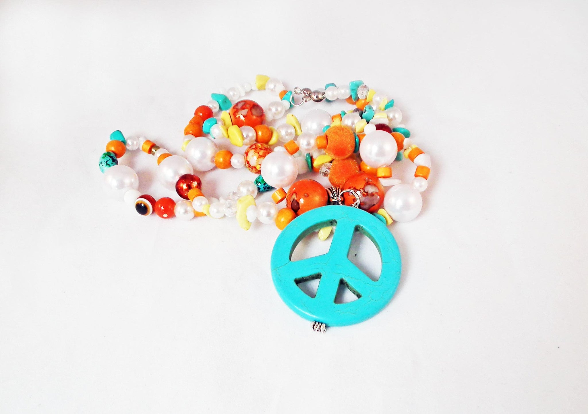 Sautoir Unique Peace and Love Howlite Handmade Exclusive Necklace - No Mercy Making