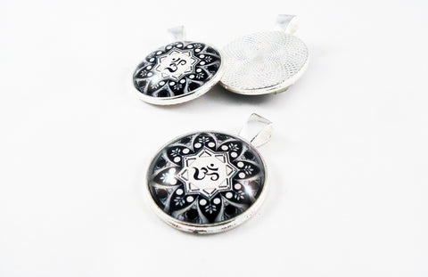 BP47 - Breloque Cabochon OHM Pendant - No Mercy Making