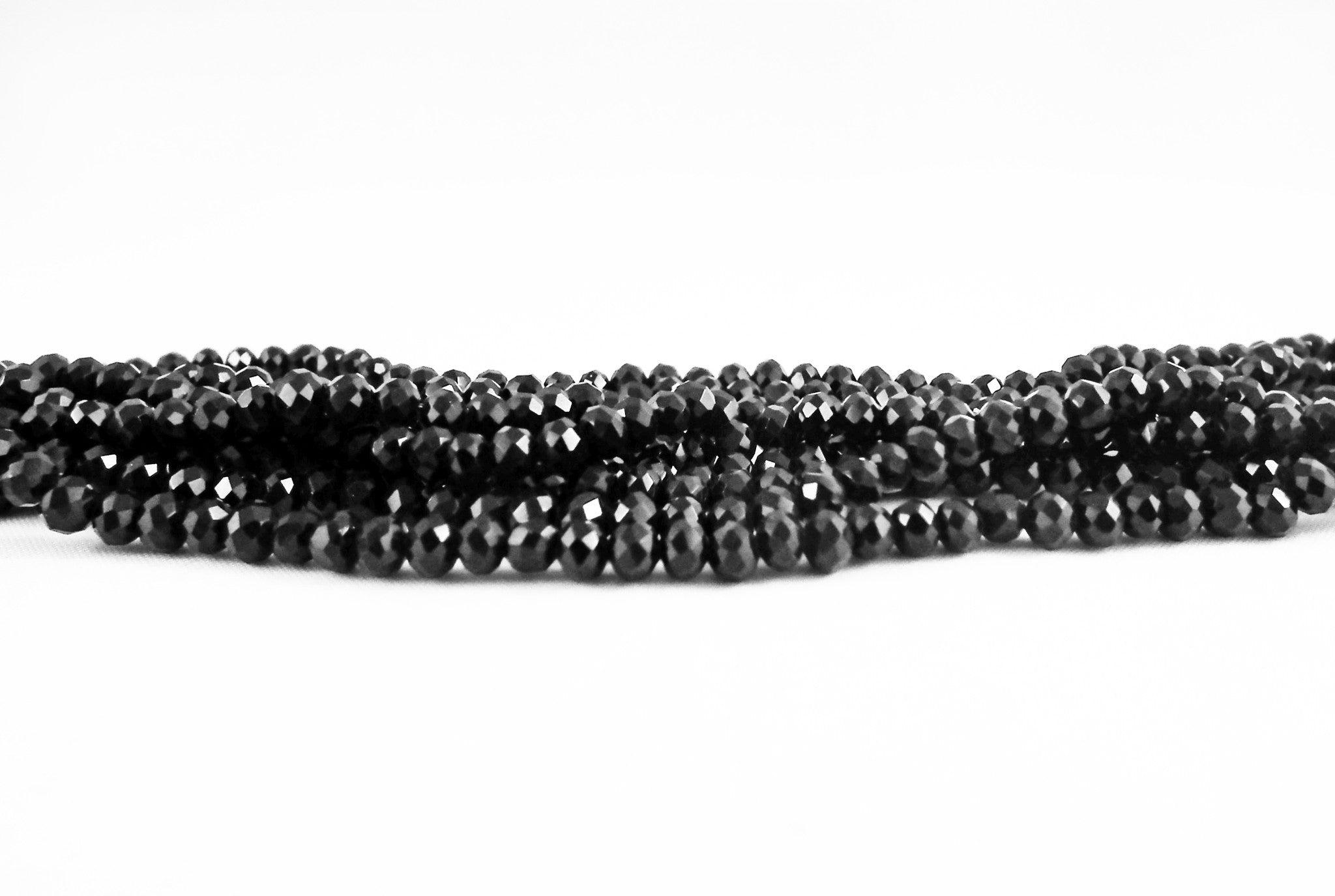 SW02N - Perles en Verre Noir 3X4mm Black Glass Beads - No Mercy Making