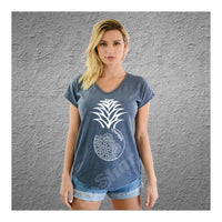 V-Neck Tee Pineapple Mandala