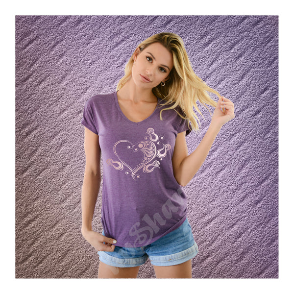 V-Neck Tee Tribal Heart Waxing
