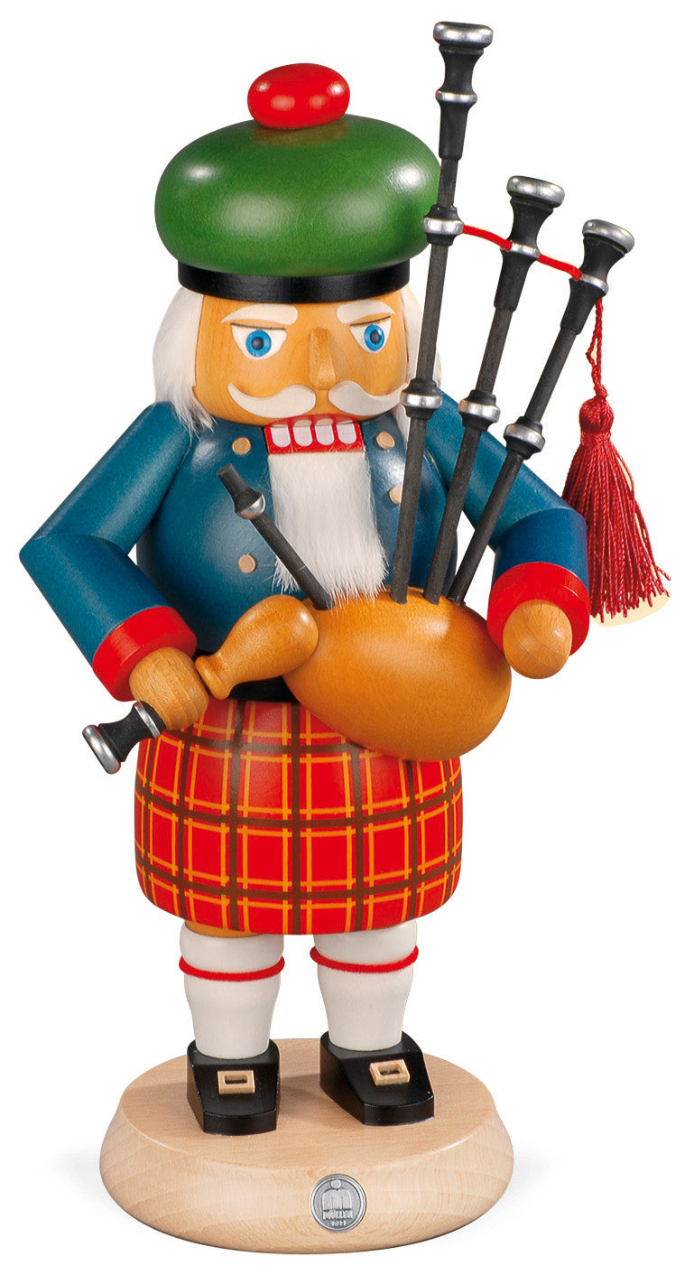 Nutcracker, Scotsman with backpipes