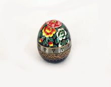 Load image into Gallery viewer, Handpainted Blue Flowers Egg Timer