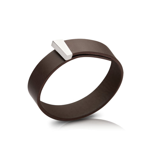 Timeless bracelet for men in fine leather