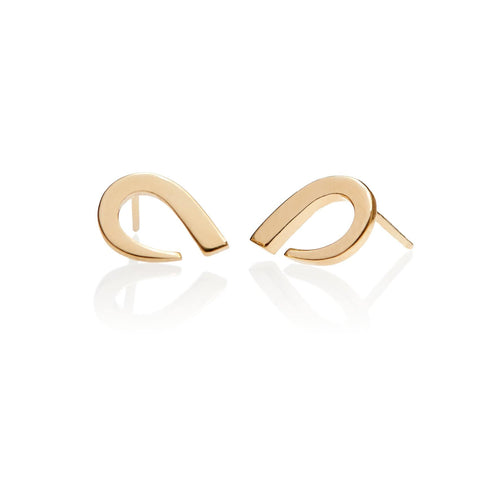 Rounded earrings crafted from 18 k gold in size medium