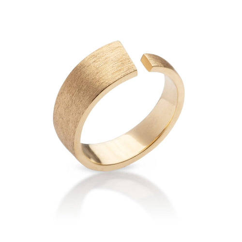 Golden Pulpit Rock ring with a matte finish