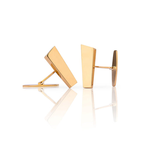 Exclusive cufflinks crafted from 18k gold inspired by the Pulpit Rock