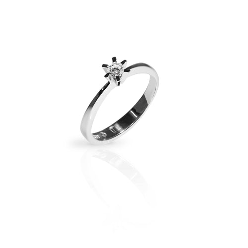 Norwegian made engagement ring with a diamond. Inspired by The Pulpit rock