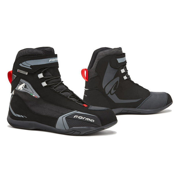 Forma Viper motorcycle boots, black urban city ride shoes