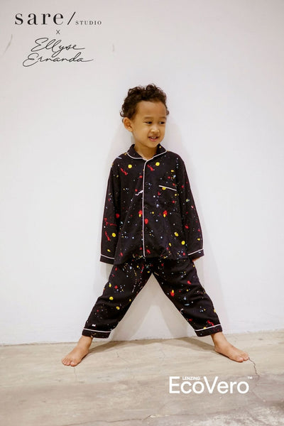 Praya Parigi Kids Unisex Long Sleeve Set in Off Black Splats