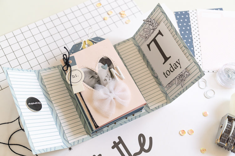 Hello World Newborn Mini Album 01 | Ulrike Dold | Felicity Jane