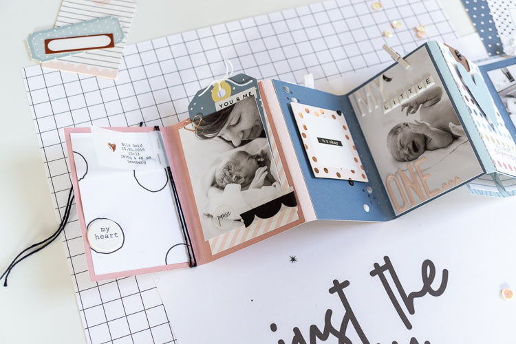 Hello World Newborn Mini Album 02 | Ulrike Dold | Felicity Jane
