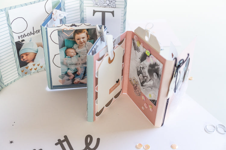 Hello World Newborn Mini Album 05 | Ulrike Dold | Felicity Jane