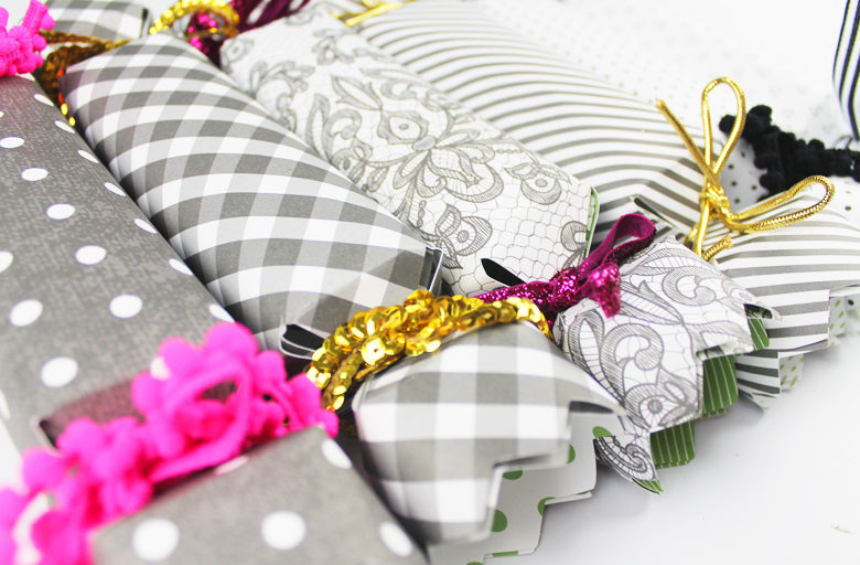 DIY Christmas Crackers by Nae Bowell | @FelicityJane