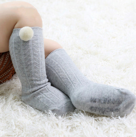 Pom Pom socks {baby & toddler}