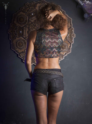 Crop-Top Woman / Himalayan Bling _ SNL