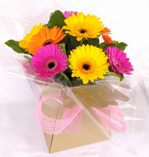 Load image into Gallery viewer, Gerbera Gift Box - Parks Florist, Providing fresh flower bouquets for all occasions. We supply fresh flowers for birthdays, anniversary flowers, new job flowers, new baby flowers, thank you bouquets, apology flowers and sympathy flowers. Delivering fresh flowers across Dorset including Dorchester, Blandford, Weymouth, Poole and Bournemouth. Qualified, experience florist. Fresh flower delivery Dorset