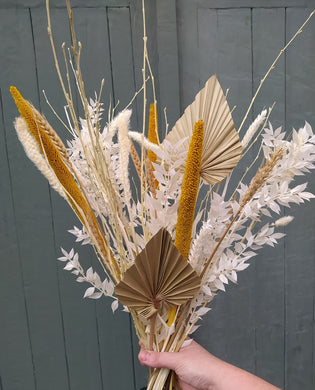 Beautiful dried flowers bouquets, dried flowers wedding bouquets, dried flower buttonholes, dried flower wedding decorations, dried flower crowns, dried flowers for events and styling, dried flowers for your home, and dried flower gifts,. Deliver available across the UK