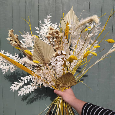 Beautiful dried flowers bouquets, dried flowers wedding bouquets, dried flower buttonholes, dried flower wedding decorations, dried flower crowns, dried flowers for events and styling, dried flowers for your home, and dried flower gifts,. Deliver available across the UK | Parks Florist