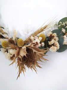 Beautiful dried flowers bouquets, dried flowers wedding bouquets, dried flower buttonholes, dried flower wedding decorations, dried flower crowns, dried flowers for events and styling, dried flowers for your home, and dried flower gifts. Deliver available across the UK