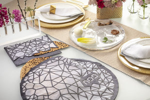 Geometric Matzah Cover
