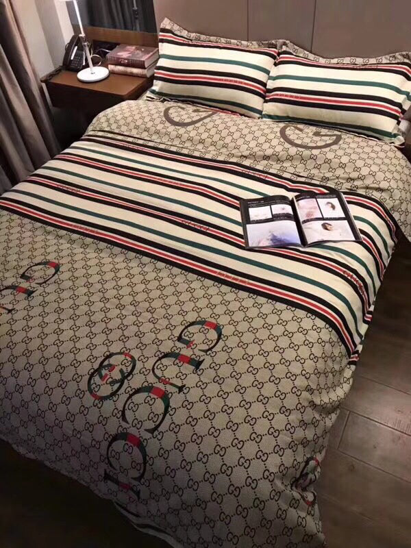 GUCCI 100% COTTON BED SHEETS WITH 2 PILLOWCASES