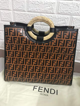 ORIGINAL FENDI LEATHER HANDBAG WITH GUARANTE