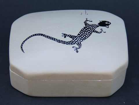 Vintage Soapstone Jewelry/Trinket Box Lizard Design Kenya