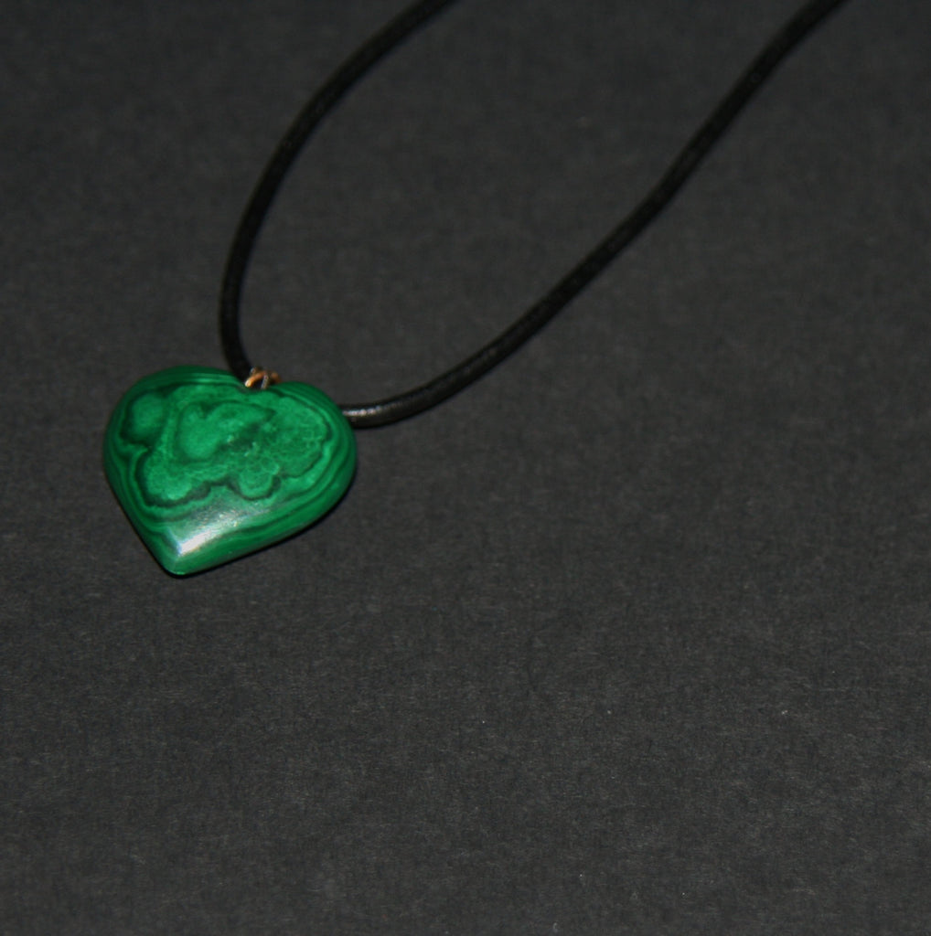 "Malachite Heart Pendant Necklace Vintage on Leather 22"" L"