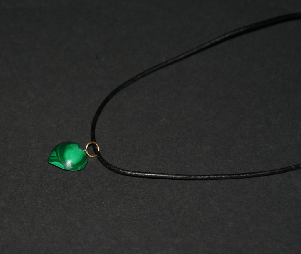 "Necklace Malachite Heart Pendant Vintage on Leather 20"" L"