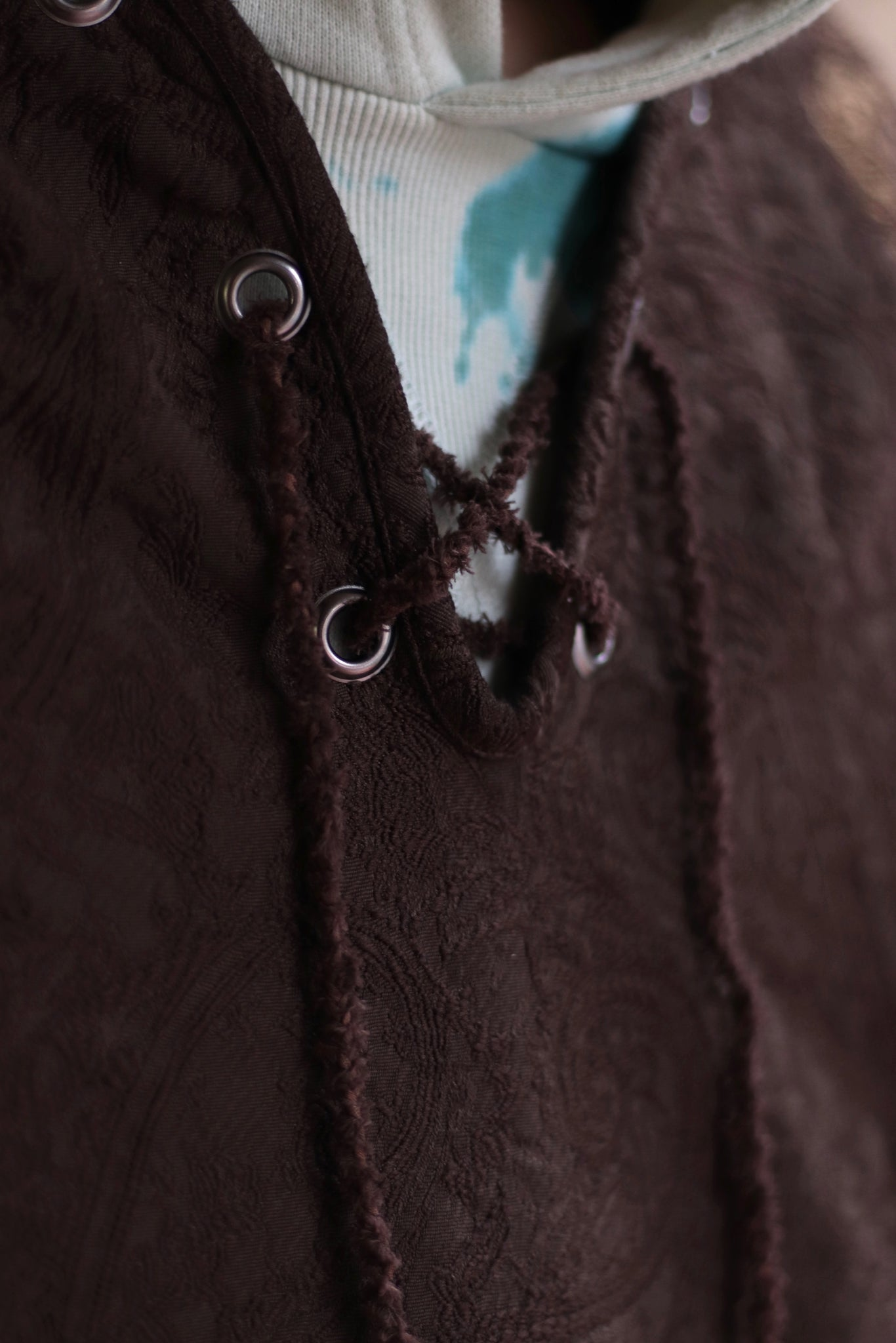 Children of the discordance의 21ss의 LACE UP PULLOVER