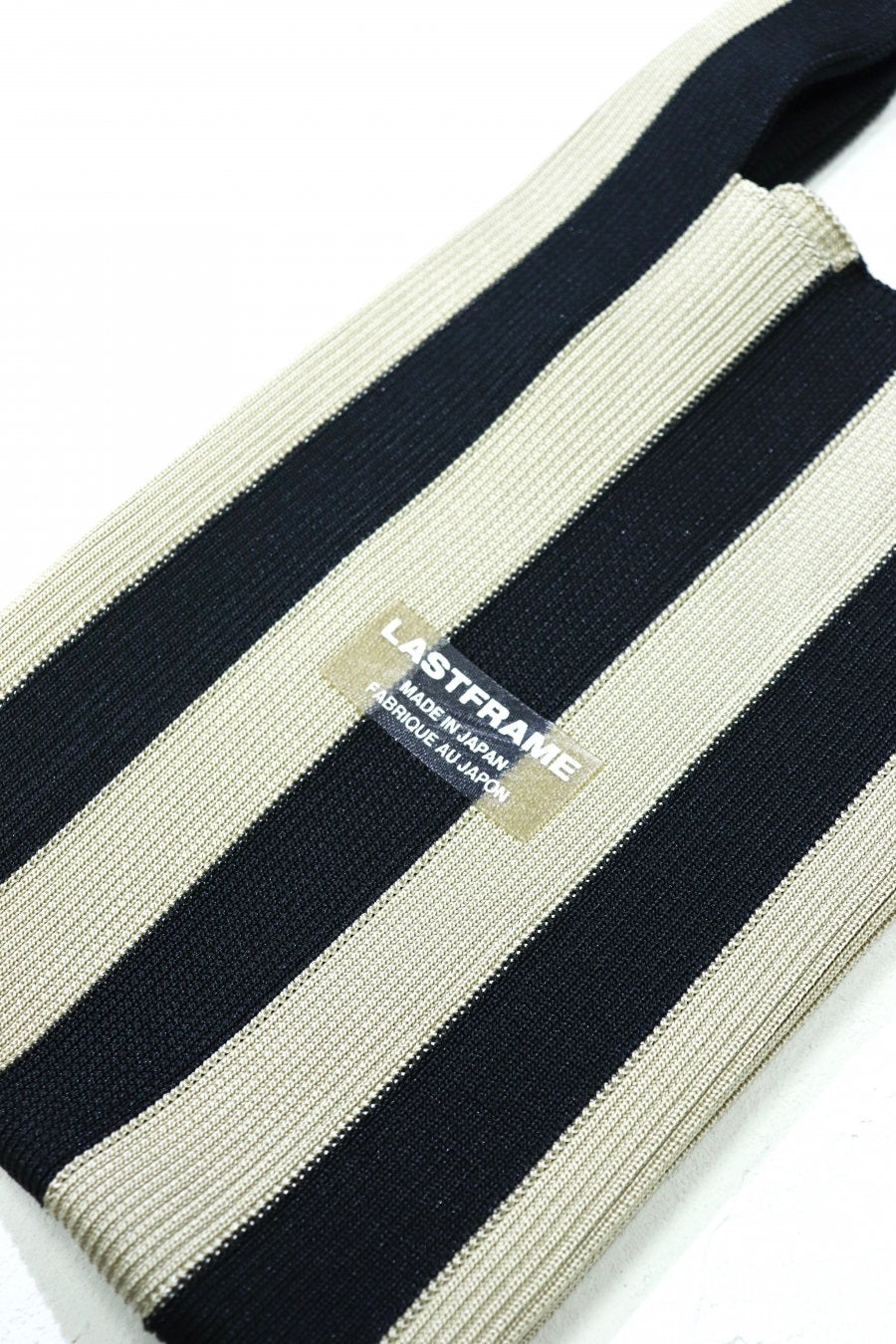 LASTFRAME STRIPE MARKET BAG SMALL(BLACK x BEIGE)