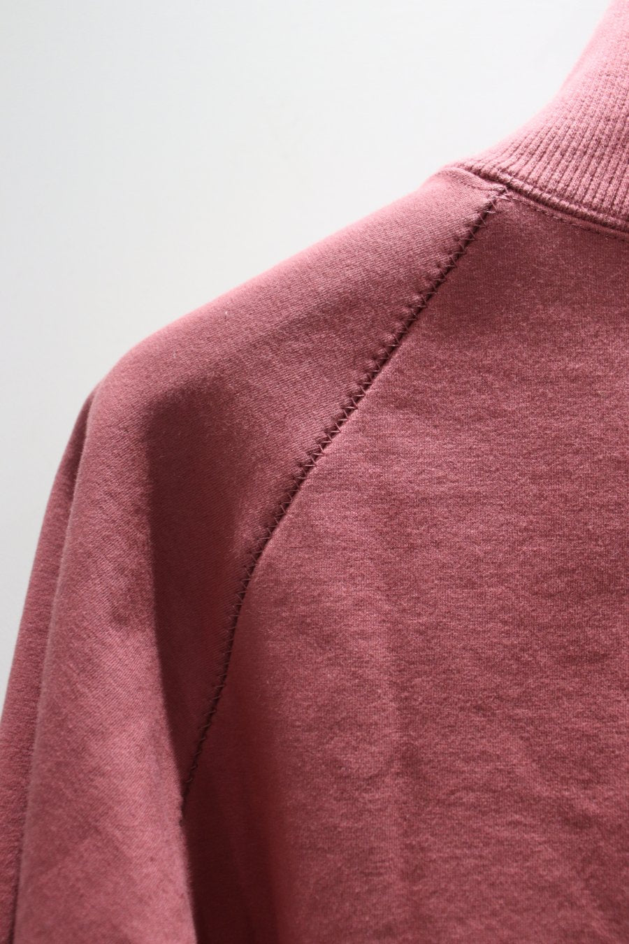【30%OFF】KIIT  SUPIMA COTTON STRETCH PILE ZIGZAG STITCH TURTLE NECK TOPS-PINK