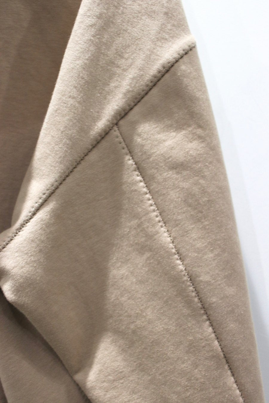 【30%OFF】KIIT  SUPIMA COTTON STRETCH PILE ZIGZAG STITCH HOODIE TOPS-BEIGE