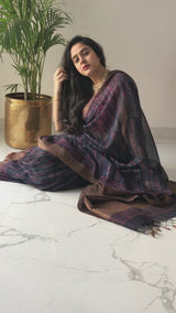 Dabu Maheshwari silk saree pose at home