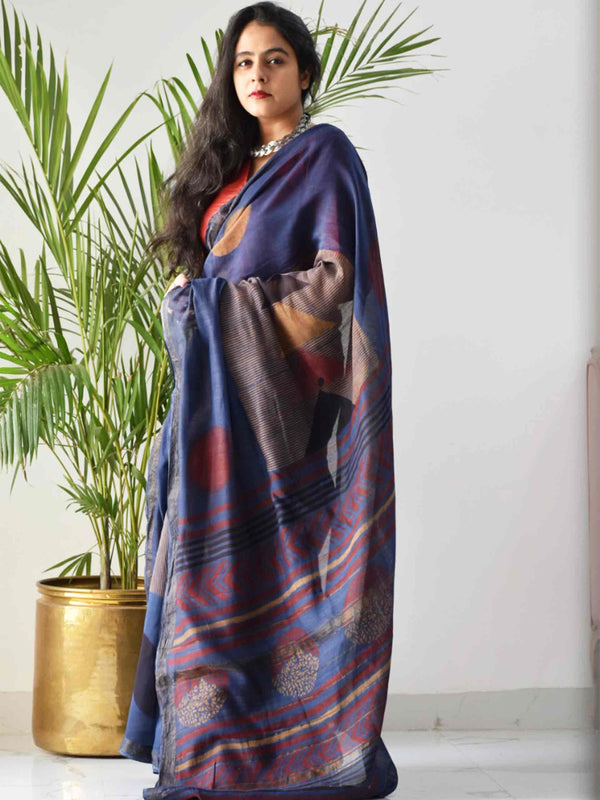 Blue Dabu Maheshwari silk saree draping poses