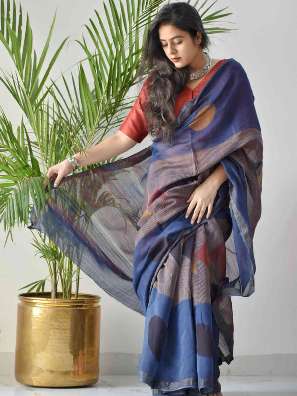 Blue Dabu Maheshwari silk saree draping