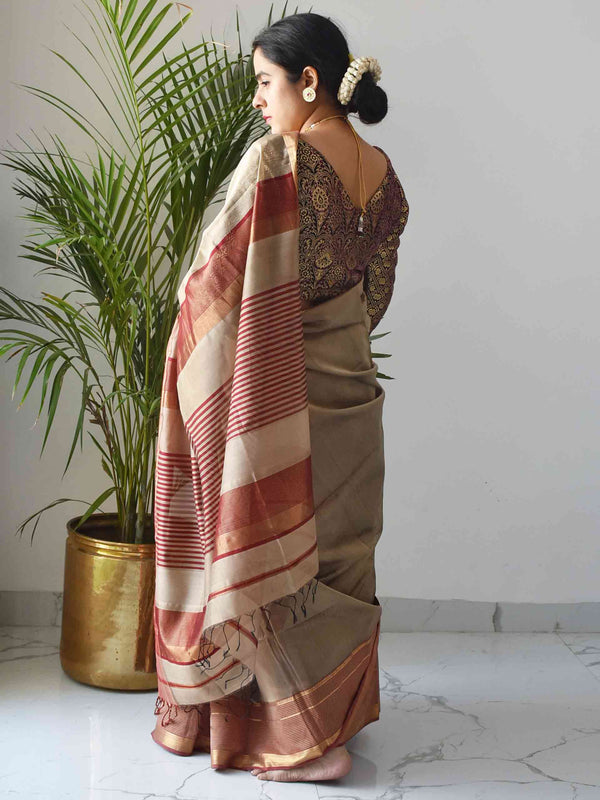 Winter morning Maheshwari Silk Saree with Zari Pallu and Border