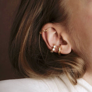Load image into Gallery viewer, Ear Cuff White Stones