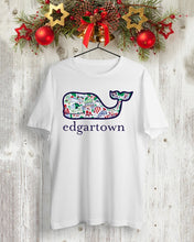 Load image into Gallery viewer, vineyard vines christmas t shirt
