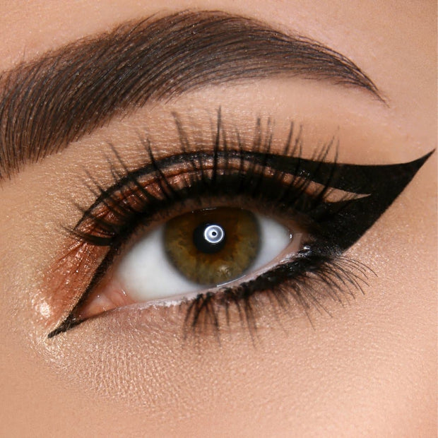 graphic-eyeliner-stamp-first-class-beauty-co.jpg