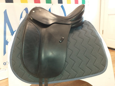 "17"" Berney Dressage Saddle - Saoirse Saddlery"