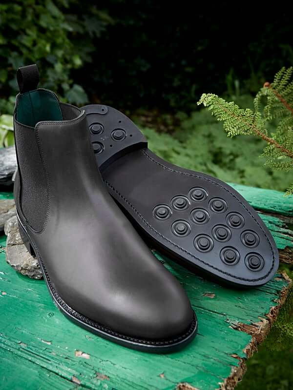 Falcon - sole of chelsea boot in black