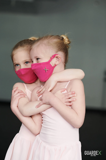 2 Kids wearing Guardex Petite Mask in Pink