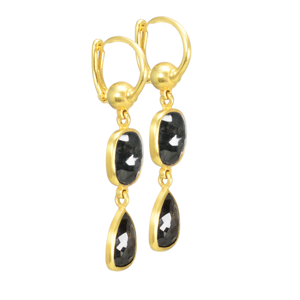 NATURAL BLACK DIAMONDS IN 18K YELLOW GOLD