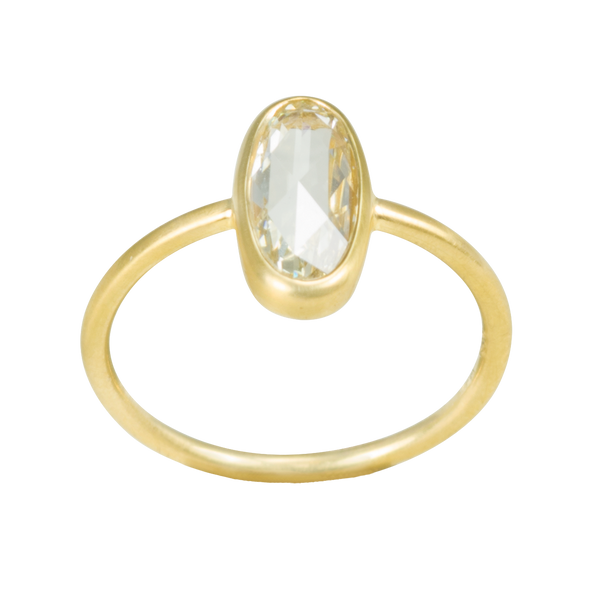 engagement-diamond-ring-gold