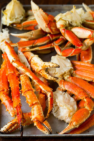Dungeness Crab Legs with Garlic Butter