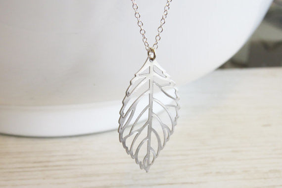 Simple Metal Leaves Short Necklace - Oh Yours Fashion - 2
